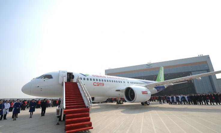 إنتاج أول طائرة ركاب صينية