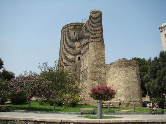 برج مايدن في مدينة باكو - أذربيجان