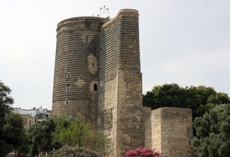 برج مايدن في مدينة باكو