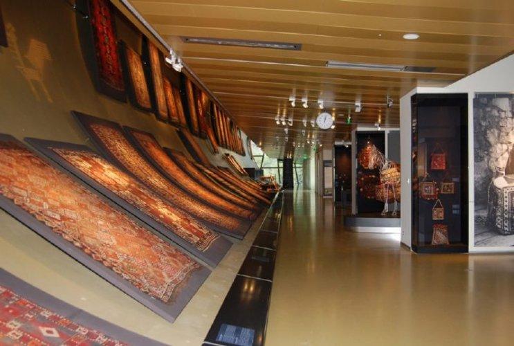متحف السجاد في مدينة باكو - اذربيجان