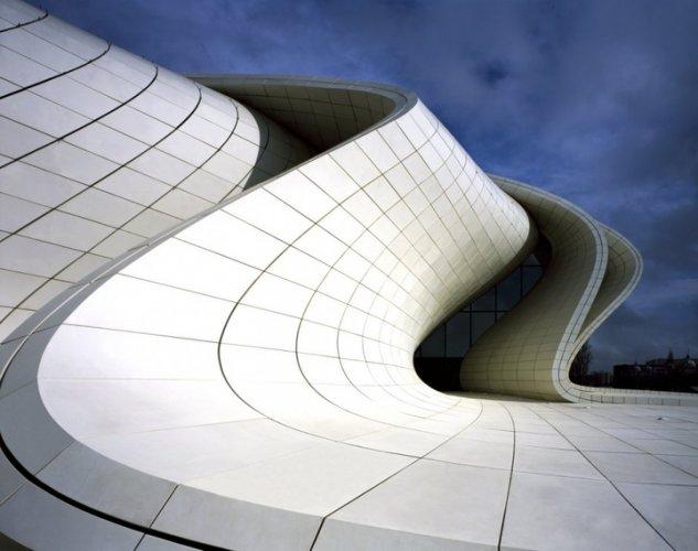 مركز حيدر علييف في باكو - أذربيجان
