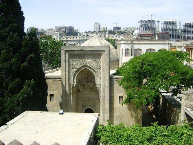 مسجد باب الهيبة في مدينة باكو أذربيجان