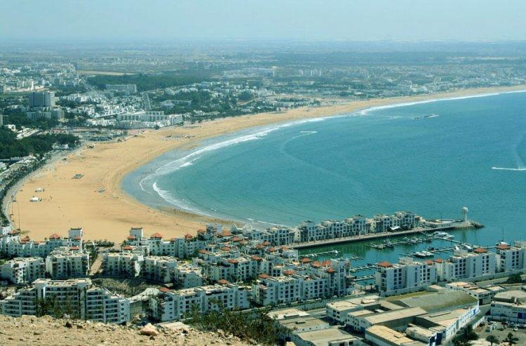 شاطئ أكادير في المغرب