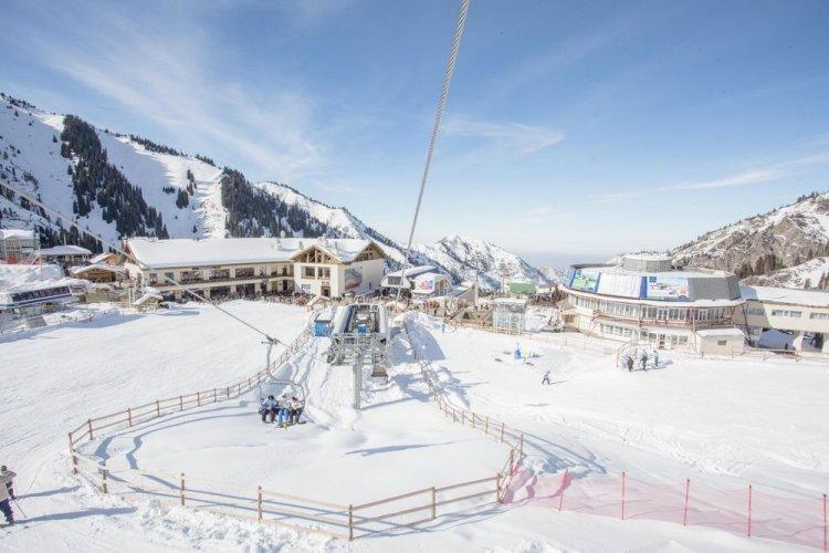 متنزه حلبة ميديو للتزلجفي كازاخستان