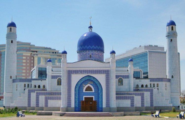 مسجد ألماتي المركزي في كازاخستان