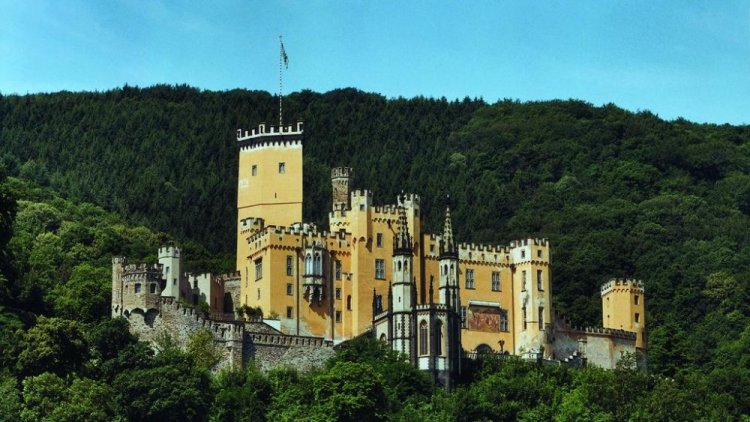 قلعة ستولزينفيلز