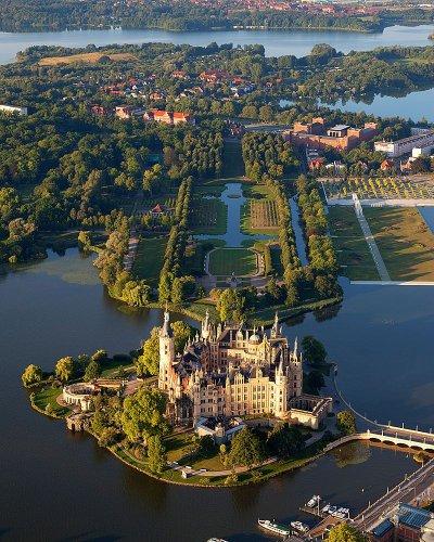 قلعة شفيرين في ألمانيا