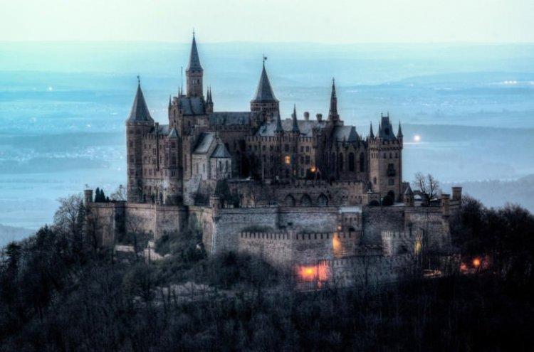قصر هوهنزولرن في ألمانيا