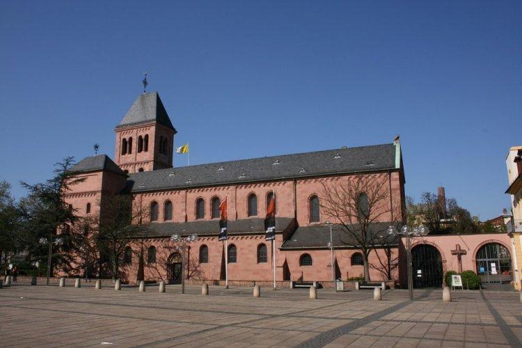 كنيسة سانت مارتن في مدينة فورمس Worms الألمانية