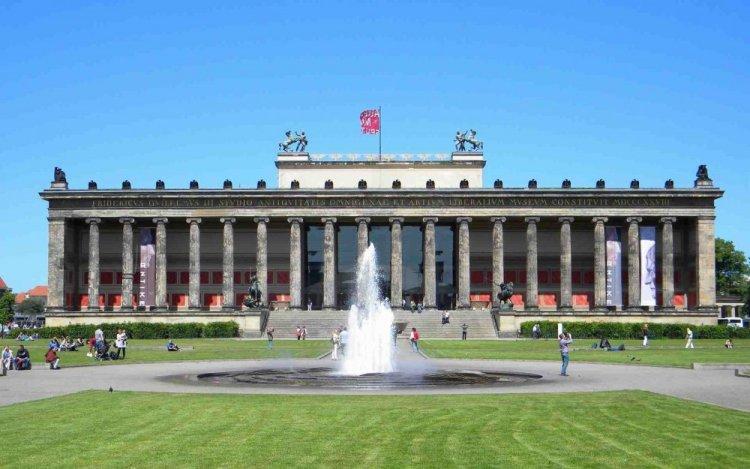 المتحف القديم في ألمانيا