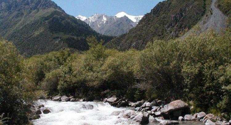 المناخ في أوزبكستان