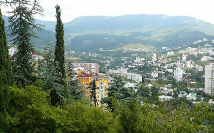 جمال الطبيعة في مدينة يالطا