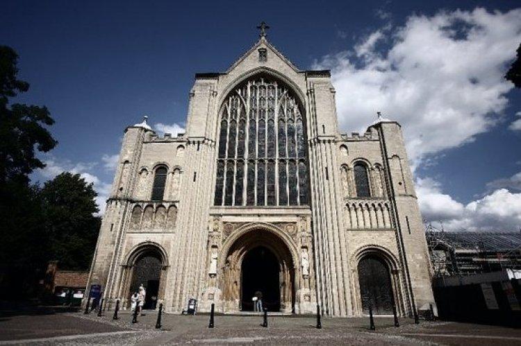 كاتدرائية ومتحف الثالوث المقدس في أديس أبابا