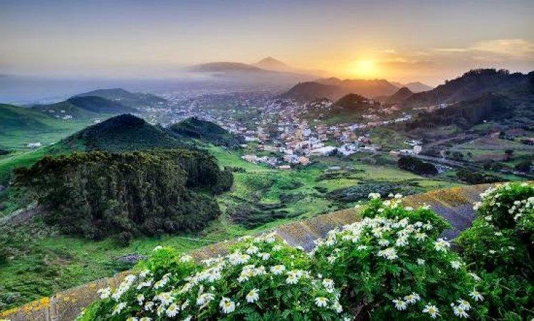 """جزيرة تنريفي جزيرة """"الربيع الأبدي"""""""