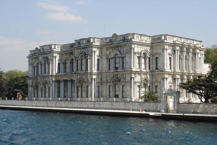جولة في قصر بكلربكي في إسطنبول