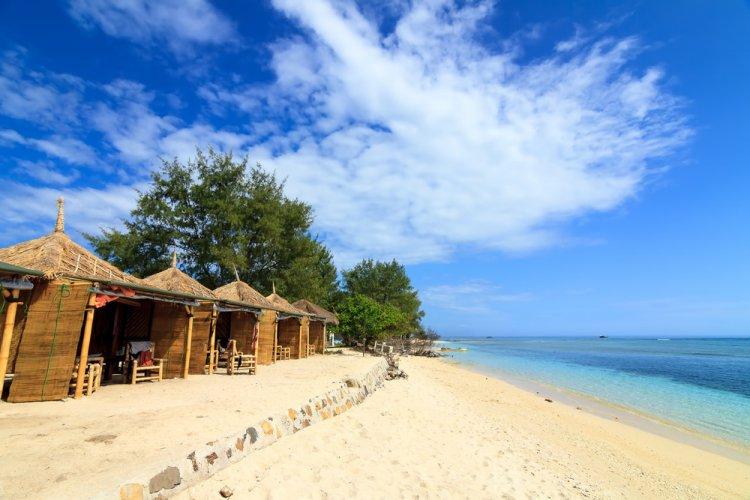 الإقامة في أكواخ على الشاطئ