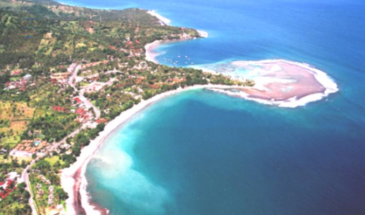شاطئ سنجيجي في جزيرة لومبوك
