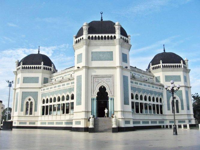 مسجد رايا في مدينة ميدان