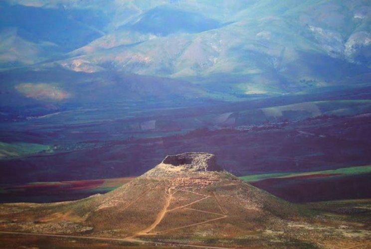 تخت سليمان في إيران