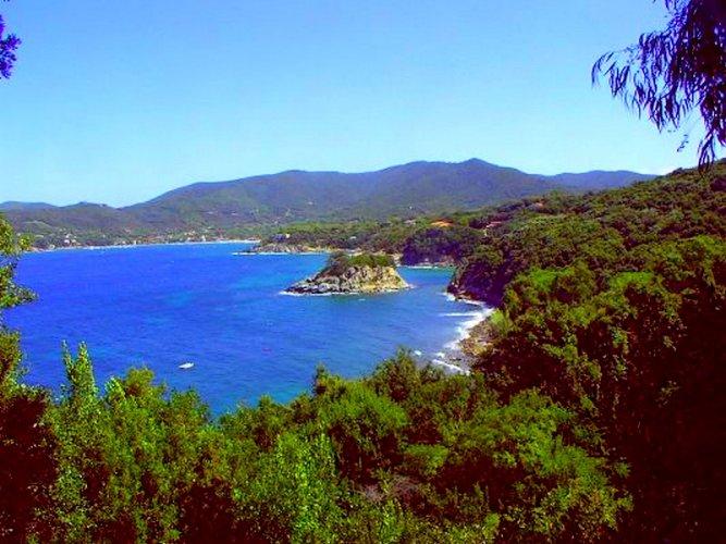 جزيرة إلبا الايطالية