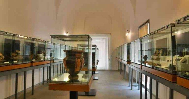 متحف ماندراليسكا في جزيرة صقلية الإيطالية