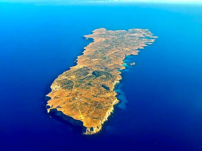 جزيرة لامبيدوزا قطعة من أوروبا