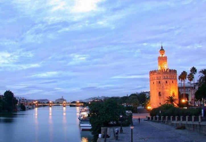 برج الذهب متحف للفن المعماري الإسلامي