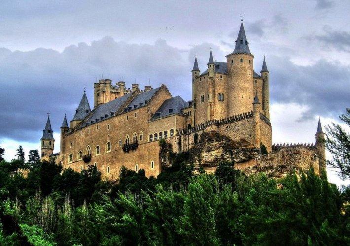 قصر شقوبية في اسبانيا