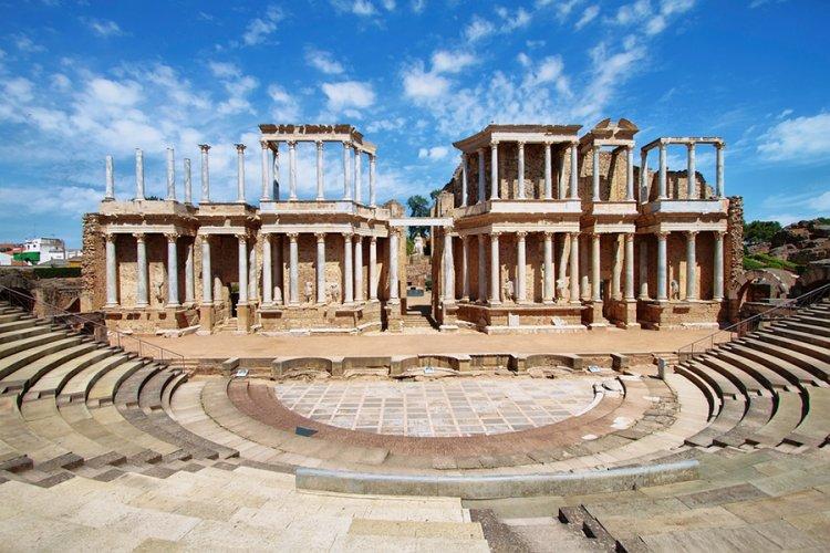 أبرز المعالم السياحية في ميريدا الإسبانية