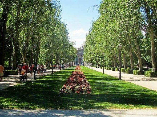 حديقة ريتيرو أحد أكبر الحدائق العامة في مدينة مدريد العاصمة