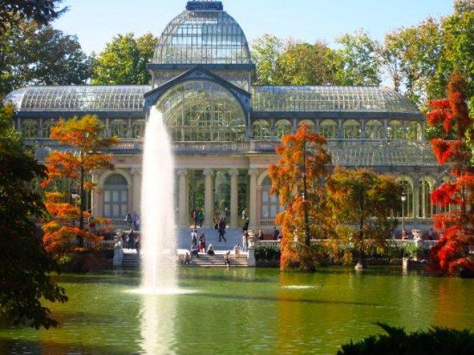 قصر ريتيرو الواقع في حديقة ريتيرو