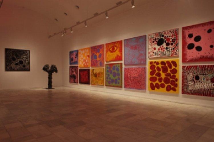 أعمال فنية للعديد من الفنانين المشهورين في متحف رينا صوفيا