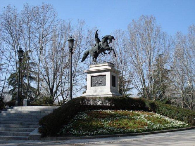 معالم متحف رينا صوفيا من الخارج