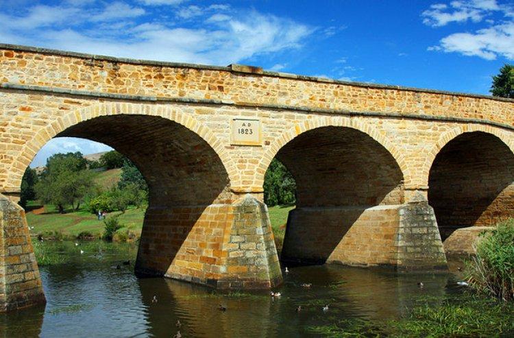 جسر ريتشموند في هوبارت