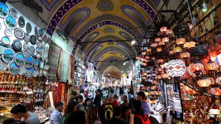 السوق المغلق في اسطنبول