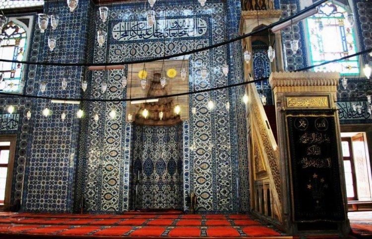 جامع رستم باشا في اسطنبول - تركيا