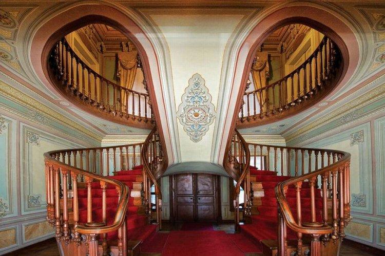 من داخل قصر يلدز في اسطنبول
