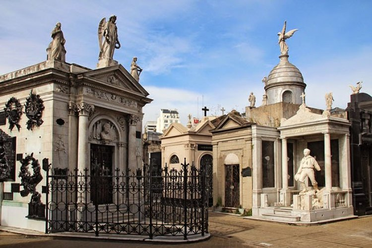 مقبرة لا ريكوليتا في بوينس آيرس