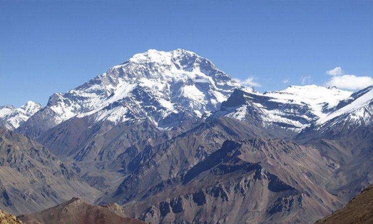 جبل أكونكاغوا في الأرجنتين