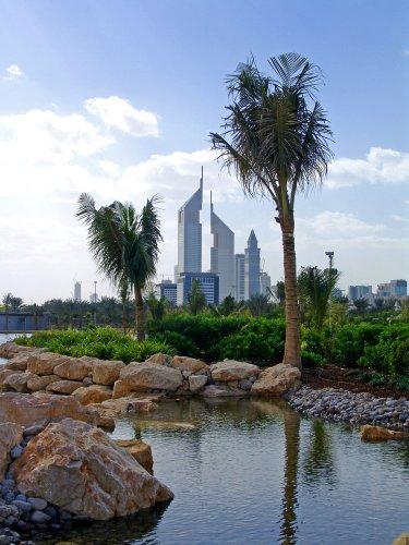 جدول مائي في حديقة زعبيل دبي