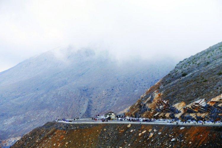 التخييم في الصيف على جبل جيس رأس الخمية