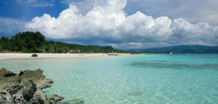 جزيرة سانت مارتن في البحر الكاريبي