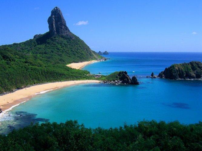 جزيرة فرناندو دى نورونا في البرازيل