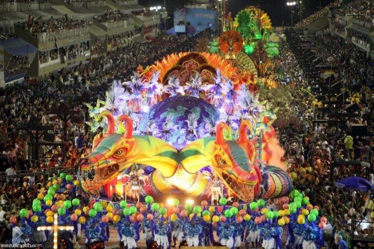 أحد المهرجانات الشعبية في البرازيل