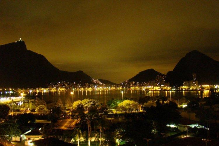 بحيرة رودريغو دي فريتاس في البرازيل