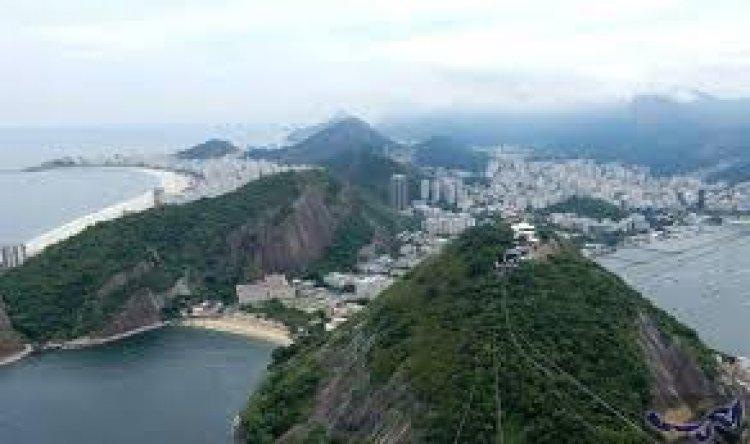 جبل بائو دي أكوكار في ريو دي جانيرو
