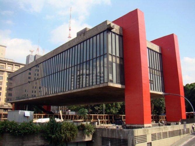 مبنى متحف ساو باولو للفن البرازيل