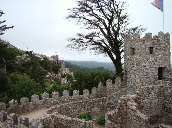 قلعة المور