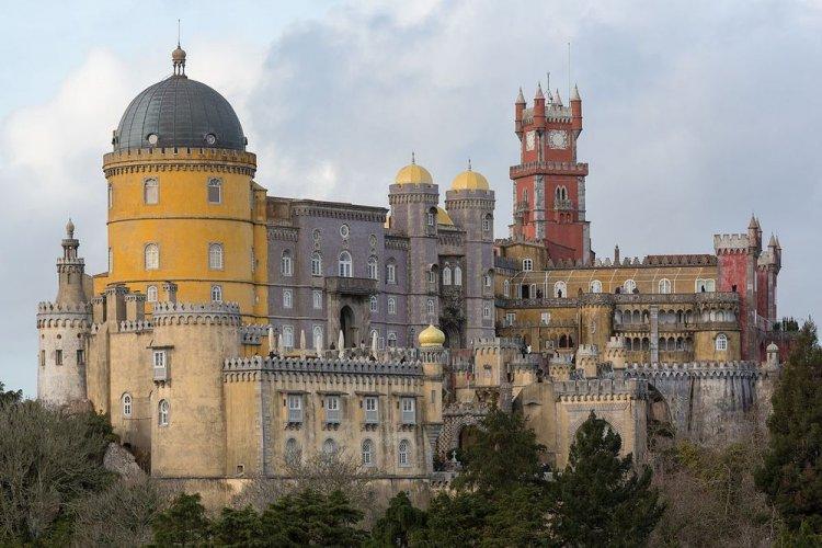 قصر بينا الوطني في البرتغال
