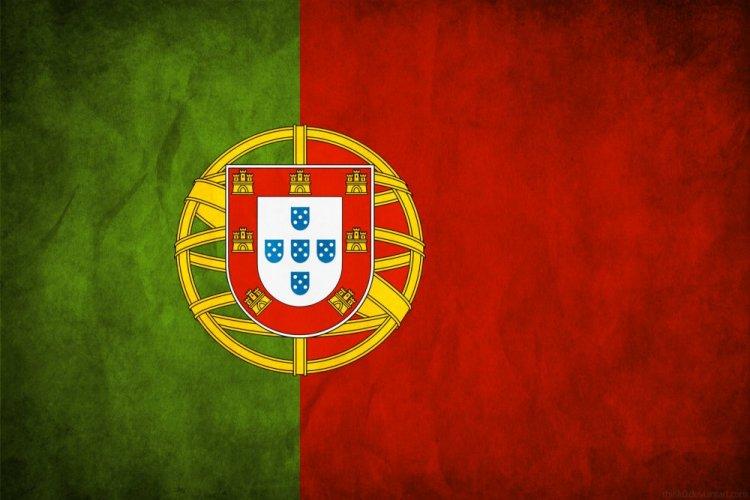 علم البرتغال الحالي